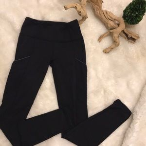 Lululemon Athletica leggings size 4